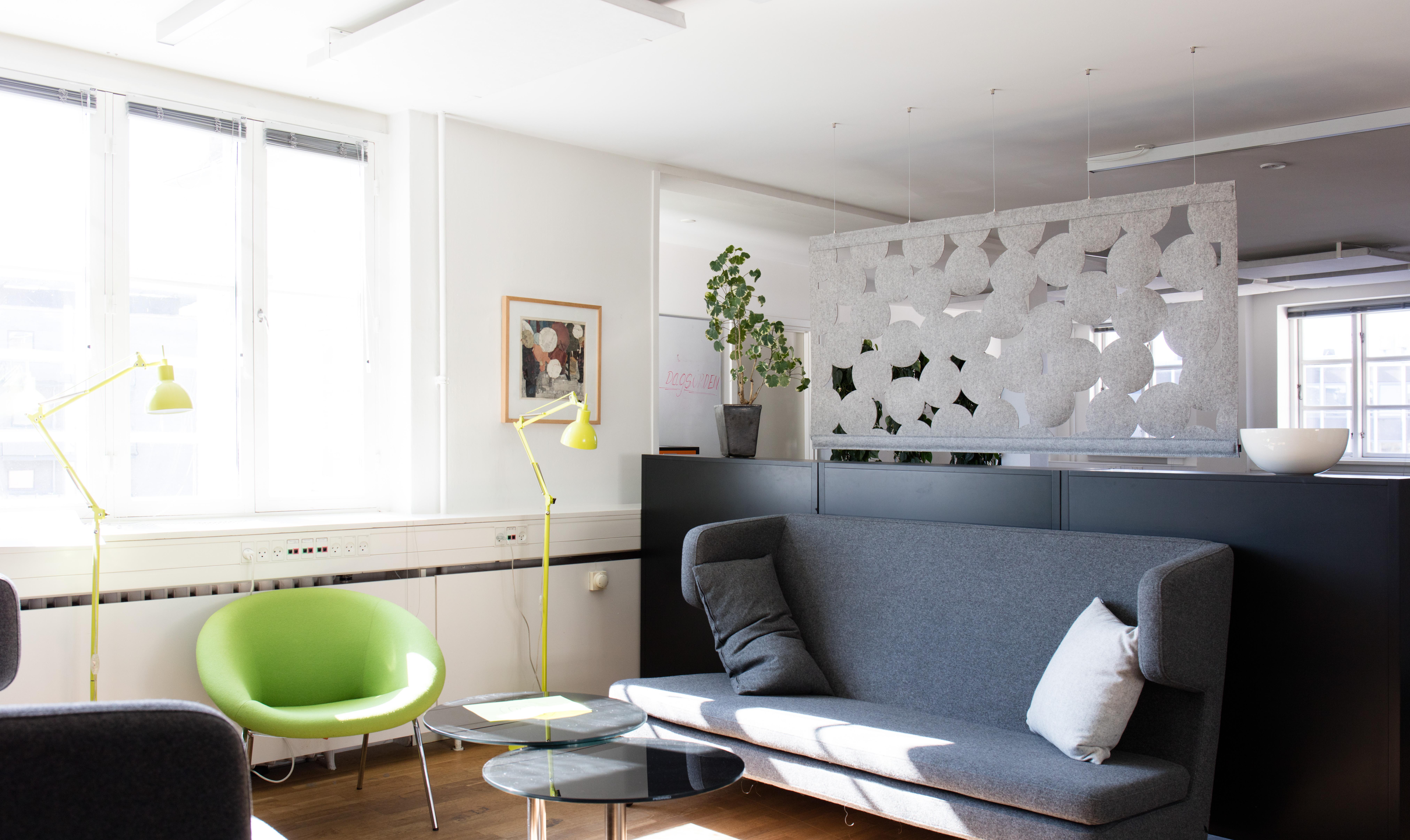 lad dig inspirere af de mange sp ndende indretninger med filt. Black Bedroom Furniture Sets. Home Design Ideas